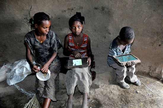 Ethiopia-tablet-kids-thumb-550xauto-104204